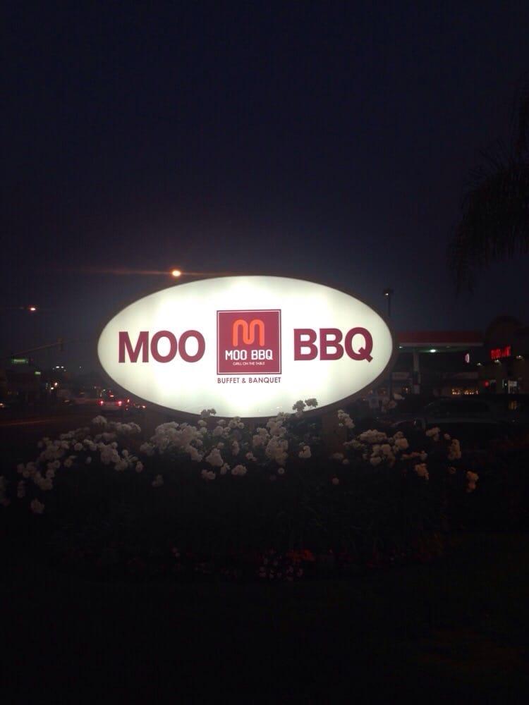 moo bbq sign
